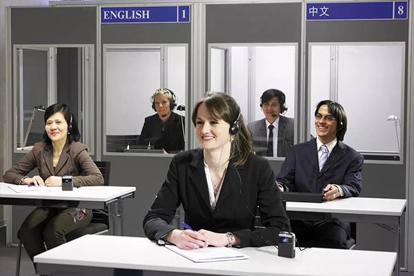 Как работают профессиональные переводчики? | Eks-Libris