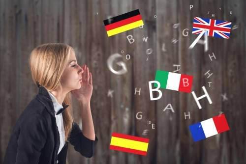 Как синхронисты переводят на несколько языков
